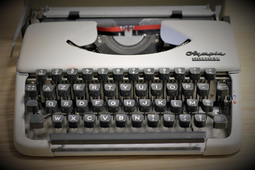 Olympia splendid 66 - Machine à écrire vintage