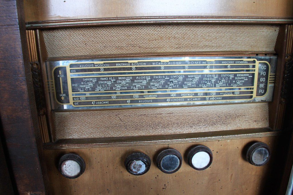 radio traces of the past