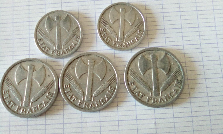pièces de 1 franc 1942 et de 2 francs 1943